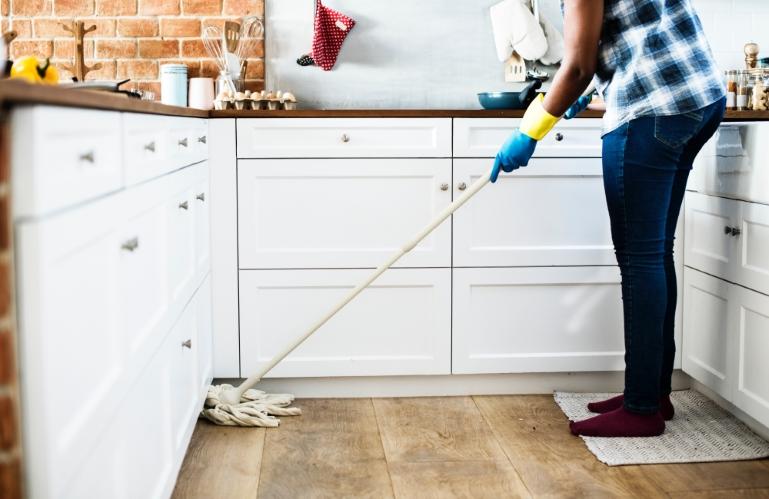 Laminaat vloer makkelijk schoonmaken